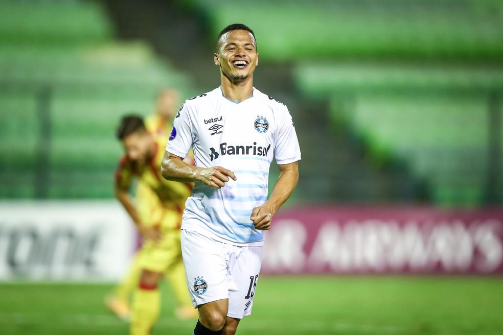 Darlan comemora gol pelo Grêmio contra o Aragua na Sul-Americana — Foto: Lucas Uebel/DVG/Grêmio