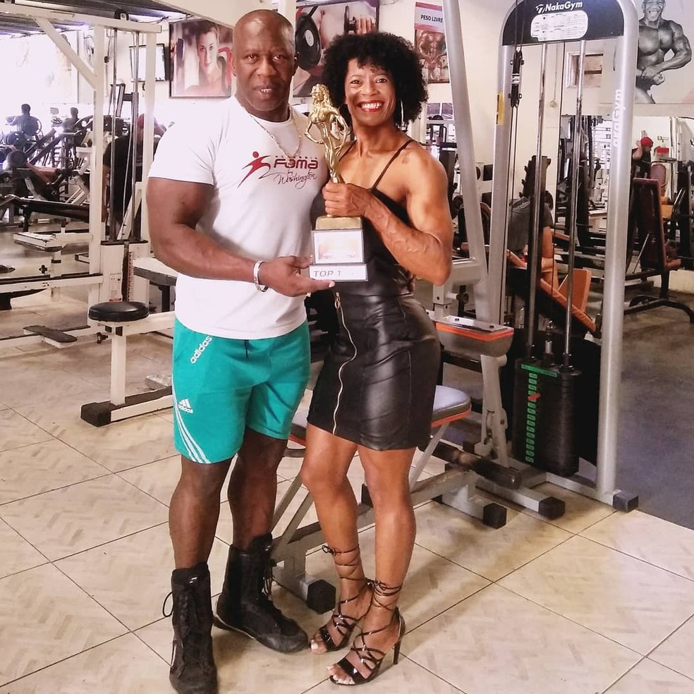 Sandra e o preparador Washington Santos — Foto: Reprodução/Instagram