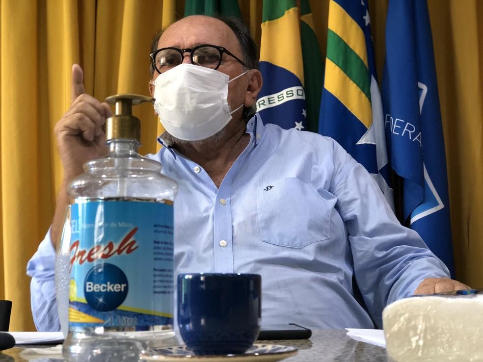 José Vanildo comanda reunião na sede da FNF — Foto: Iuri Seabra/FNF