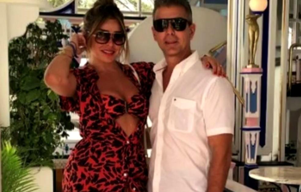 No momento do ataque Rogério Andrade estava com a mulher, Fabíola, que ficou ferida (Foto: Reprodução/TV Globo)