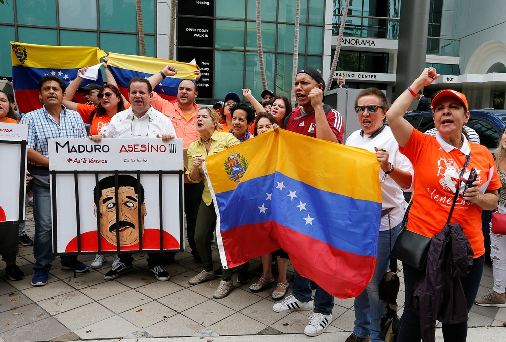 Venezuelanos protestam em Miami (Foto: Joe Skipper/Reuters)