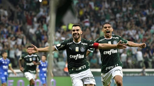 Bruno Henrique comemora o gol do Palmeiras