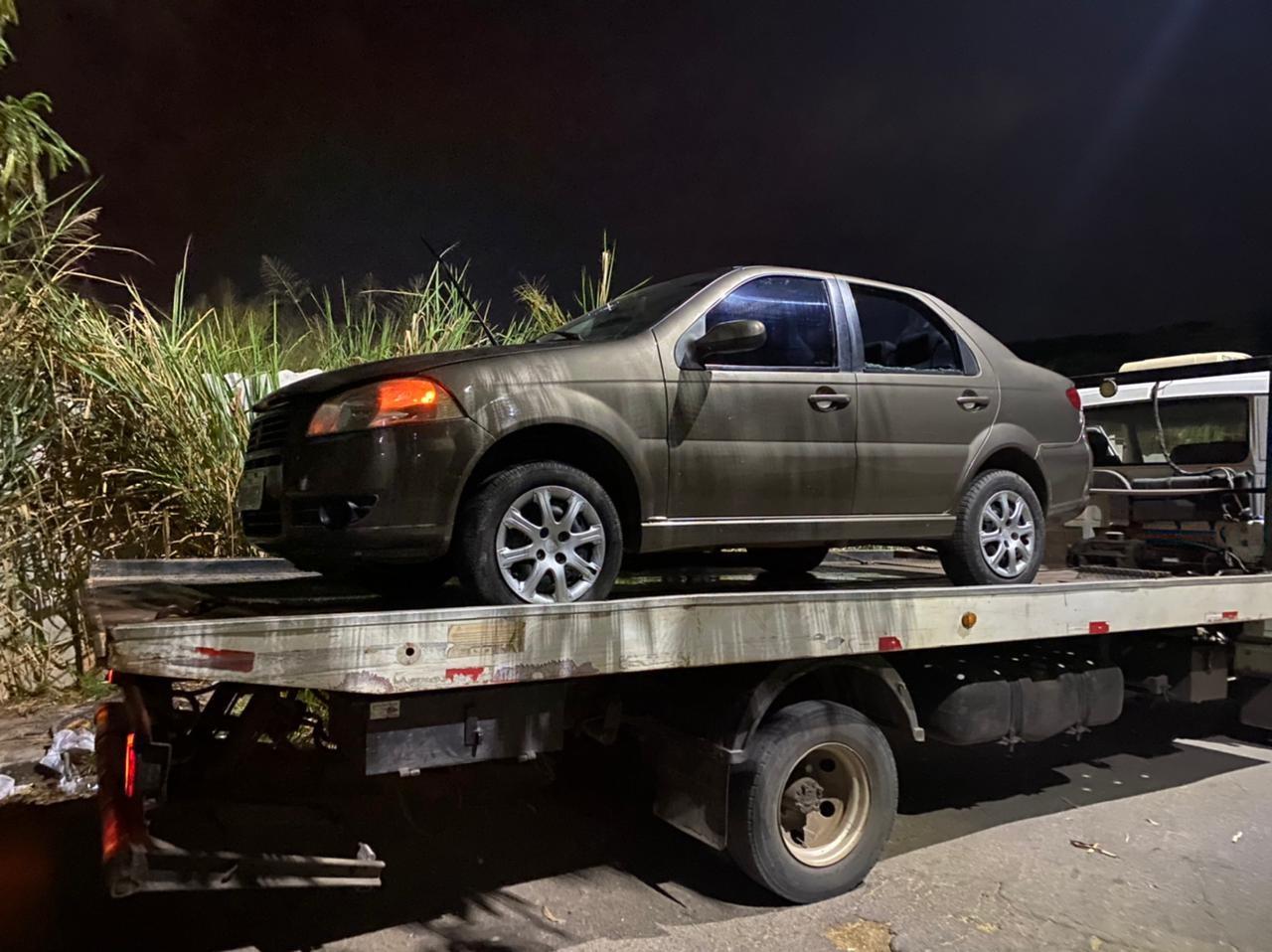 Motorista de aplicativo tem carro roubado em Betim, na Grande BH