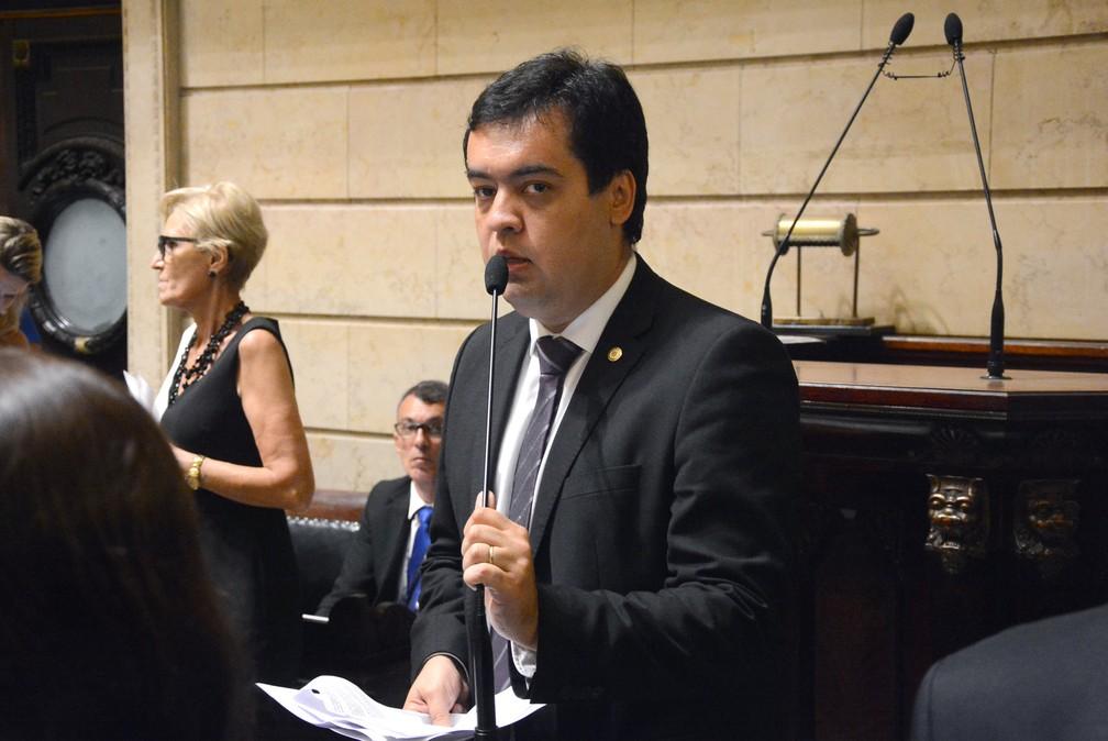 Cláudio Castro em sessão de fevereiro de 2018 no Parlamento Municipal do Rio — Foto: Renan Olaz/Câmara Municipal/Divulgação