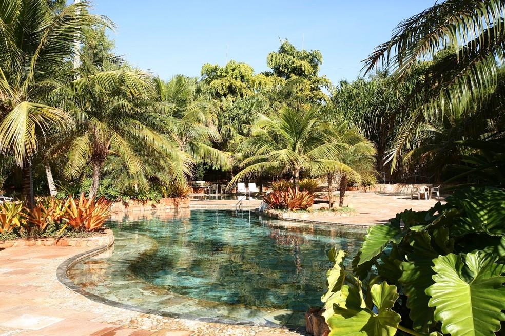 Área de piscina do Yquara Termas Hotel, em Cachoeira Dourada MG — Foto: Yquara Termas Hotel/Divulgação