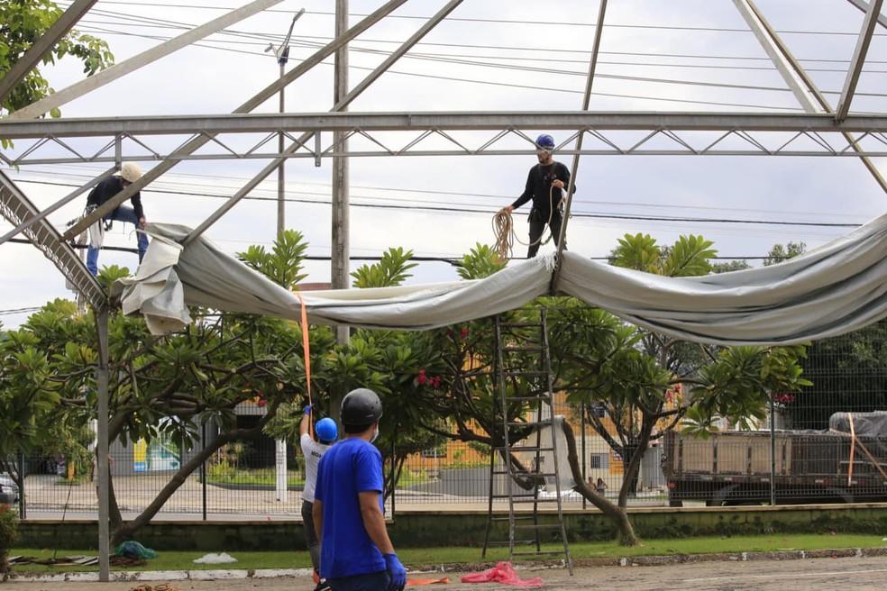 Hospital de campanha para pacientes com Covid é montado em Juazeiro do Norte, no Ceará. — Foto: Governo do Estado/ Divulgação