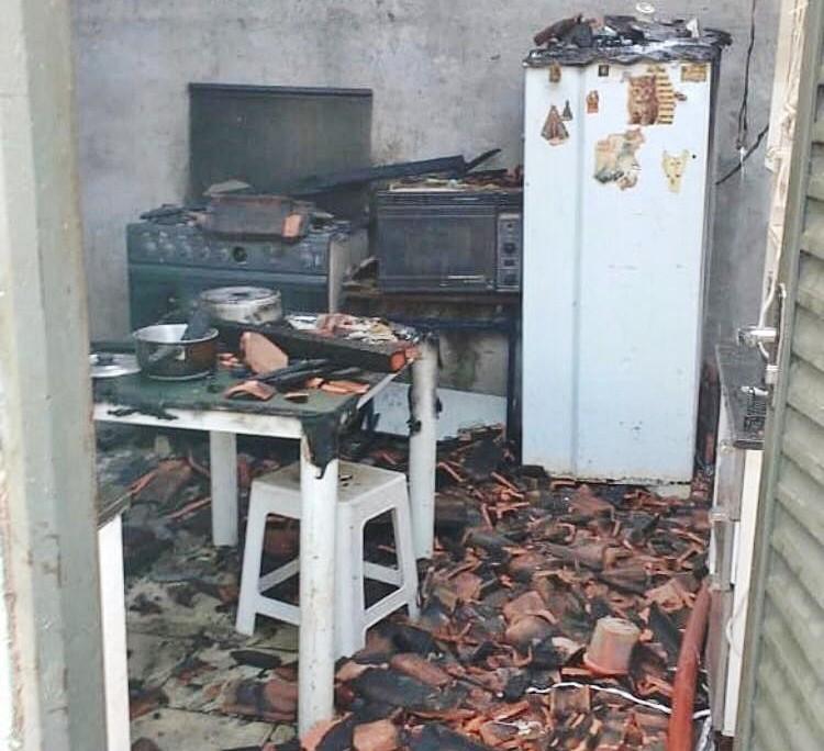Casa pega fogo em Muzambinho; ninguém ficou ferido