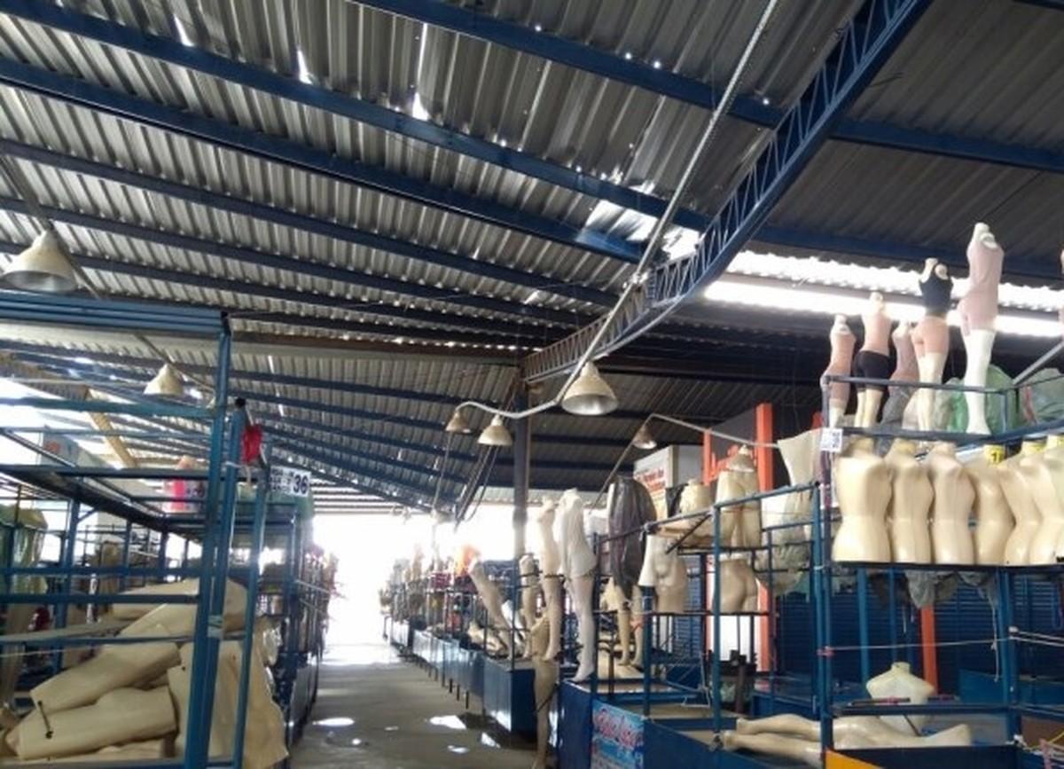 Parte do teto de um centro comercial desaba em Santa Cruz do Capibaribe