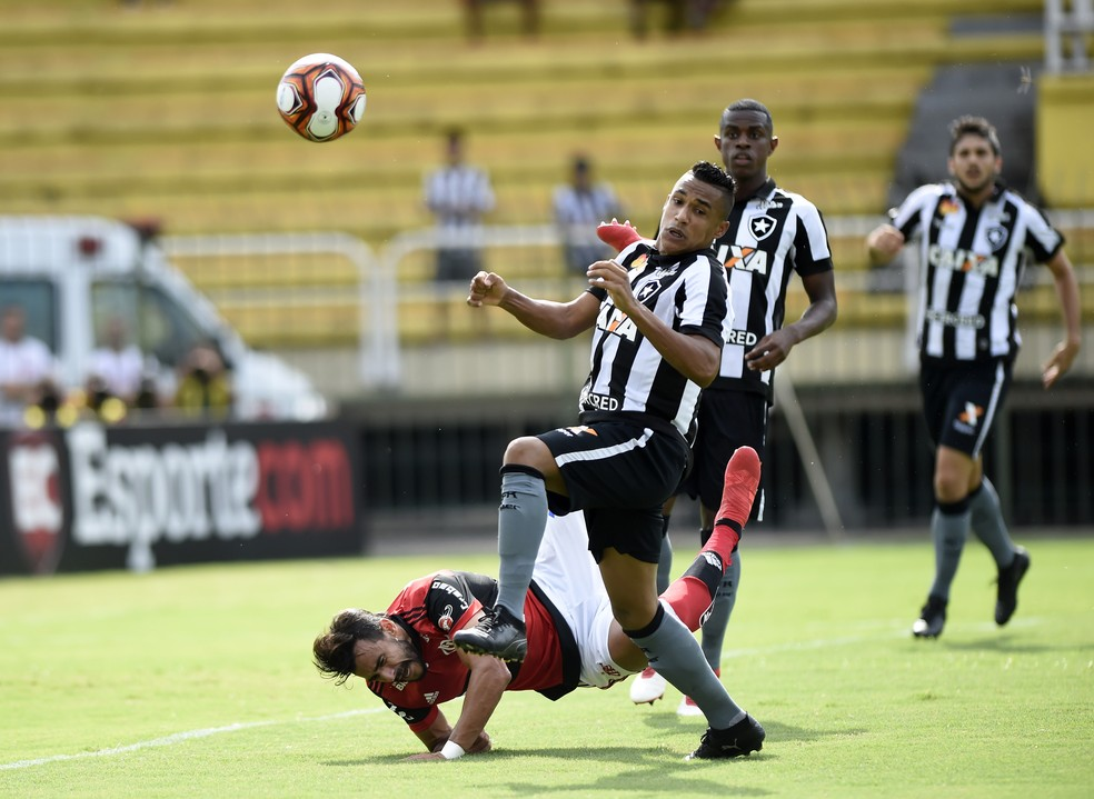 Flamengo x Botafogo pela semifinal da Taça Guanabara (Foto: Andre Durão)