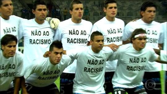 Racismo ultrapassa estádios, toma a internet e ataca até em e-sports