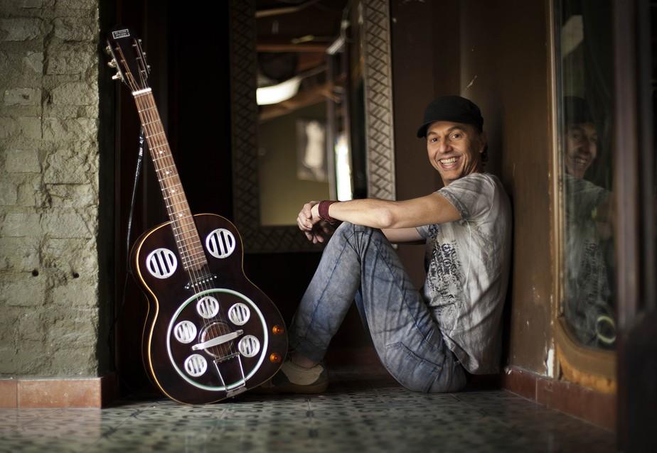 Baleiro revive hit do rapper Rael em single que anuncia coletânea de gravações raras