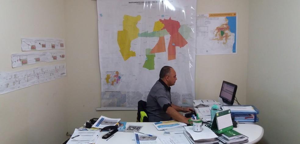 Setor de estatísticas da STTP levanta dados de acidentes em Campina Grande (Foto: Iago Bruno/G1)
