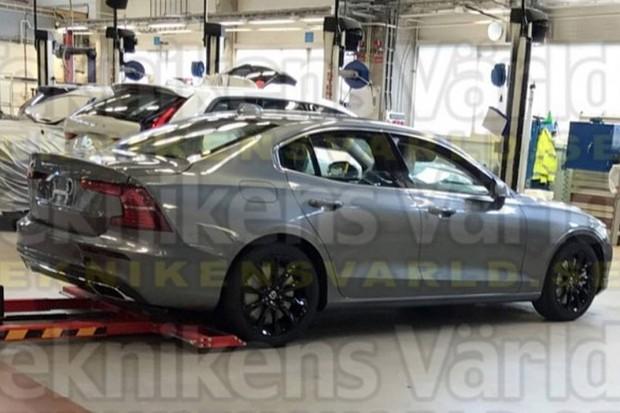 Volvo S60 foi revelado em parte por vazamento publicado pelo site Teknikens Värld (Foto: Reprodução)
