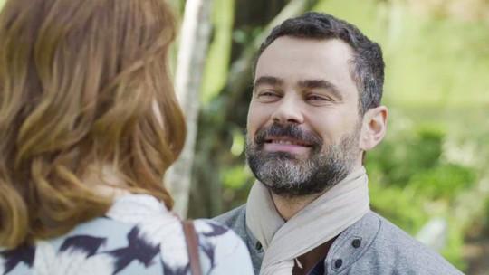 Rafael pede para voltar com Gabriela