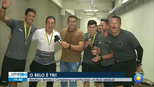 Festa do tri: torcida invade a orla de João Pessoa e comemora com jogadores do Botafogo-PB