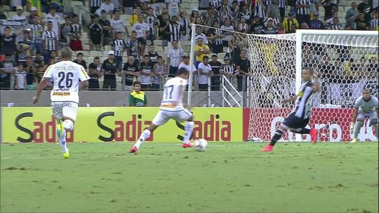 """André Bahia lembra gol em virada fora do normal contra o Ceará, aos 50 minutos: """"Jogo especial"""""""