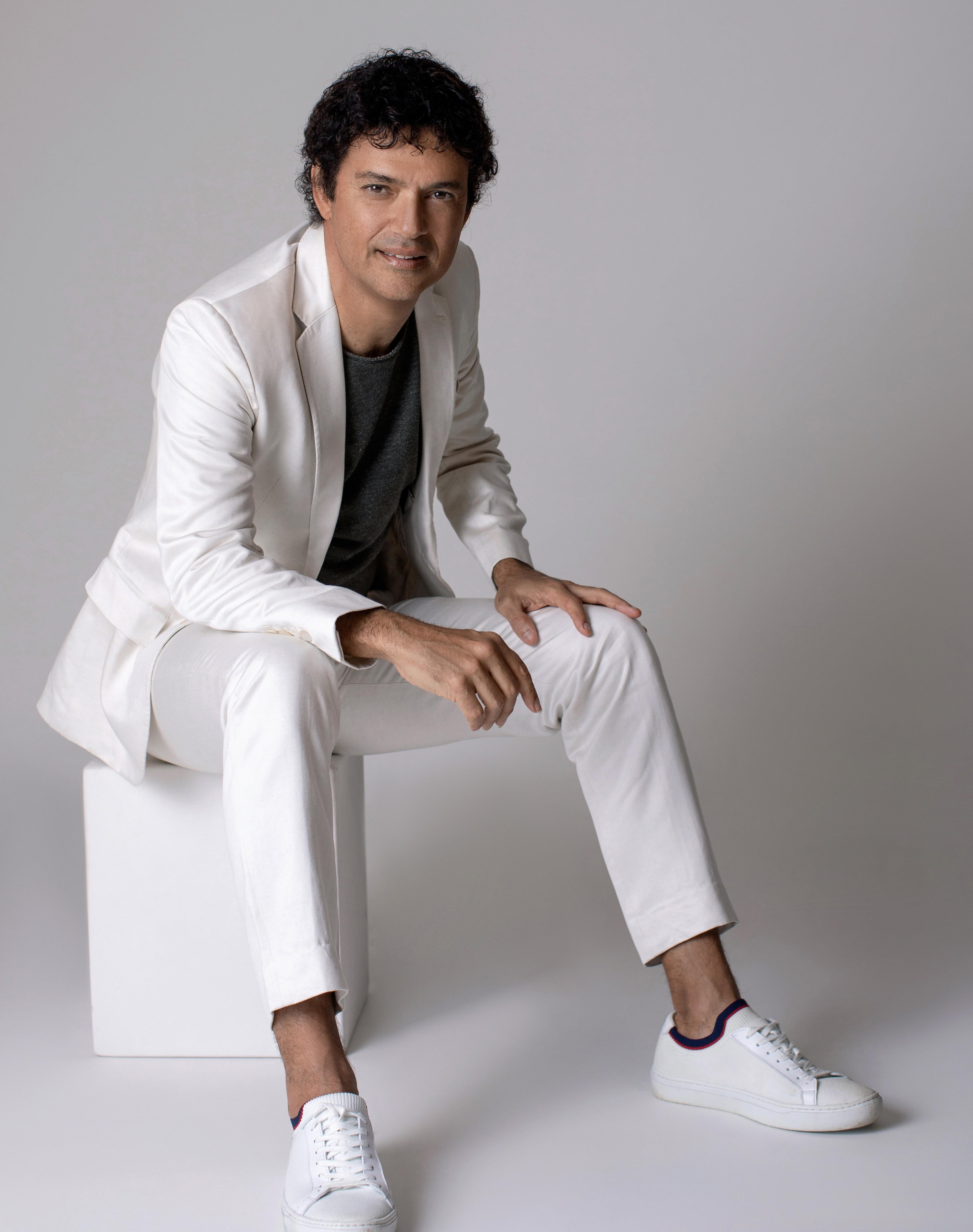 Jorge Vercillo busca elo com pop atual em 'Raça menina', álbum com mix de funk, R&B e reggaeton