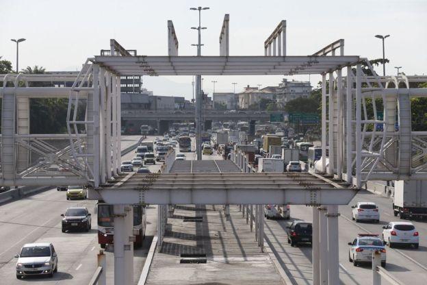 Obras de futura estação do BRT Transbrasil, no Rio: O plano operacional e o trajeto do BRT ainda não foram concluídos (Foto: FERNANDO FRAZÃO/AGÊNCIA BRASIL)