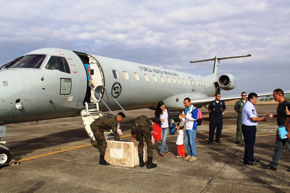 Imigrantes venezuelanos embarcam em avião com destino a São Paulo, em janeiro de 2019 — Foto: Operação Acolhida/Exército Brasileiro