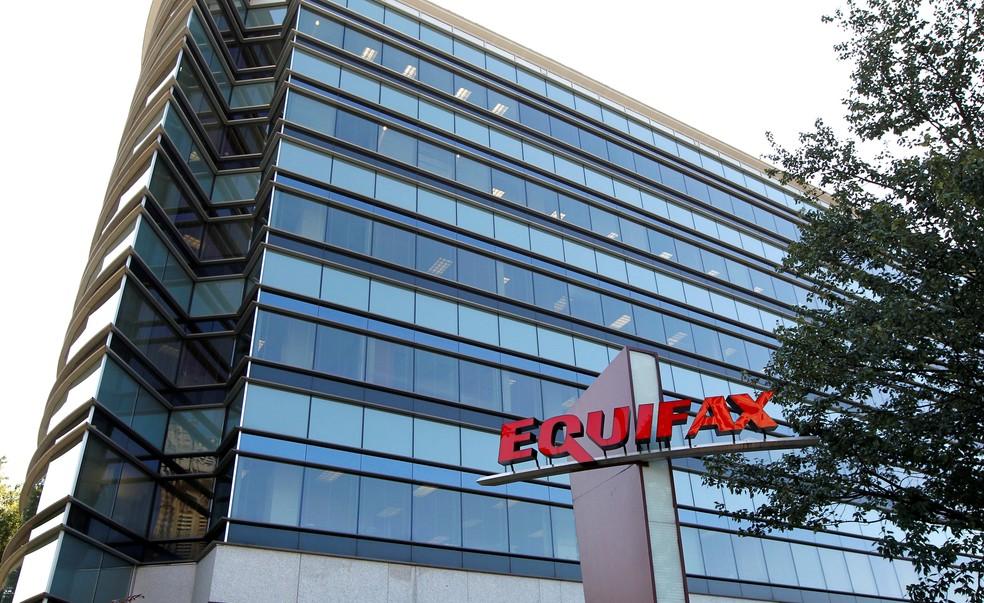 Escritório da Equifax em Atlanta, nos EUA. Empresa é a terceira maior firma de gestão crédito do país. — Foto: Tami Chappell/Reuters