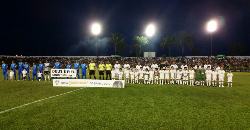 Sinop e  Fluminense se enfrentaram na segunda fase da Copa do Brasil 2017, no Gigante de Norte (Foto: Robson Boamorte)