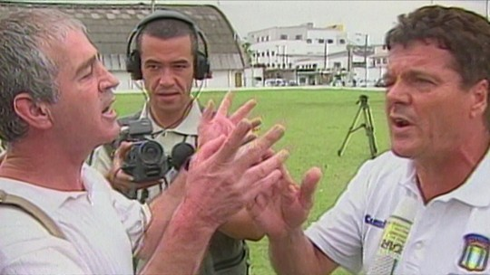 Re-Meme: Jair Picerni relembra briga com jornalista em treino do São Caetano