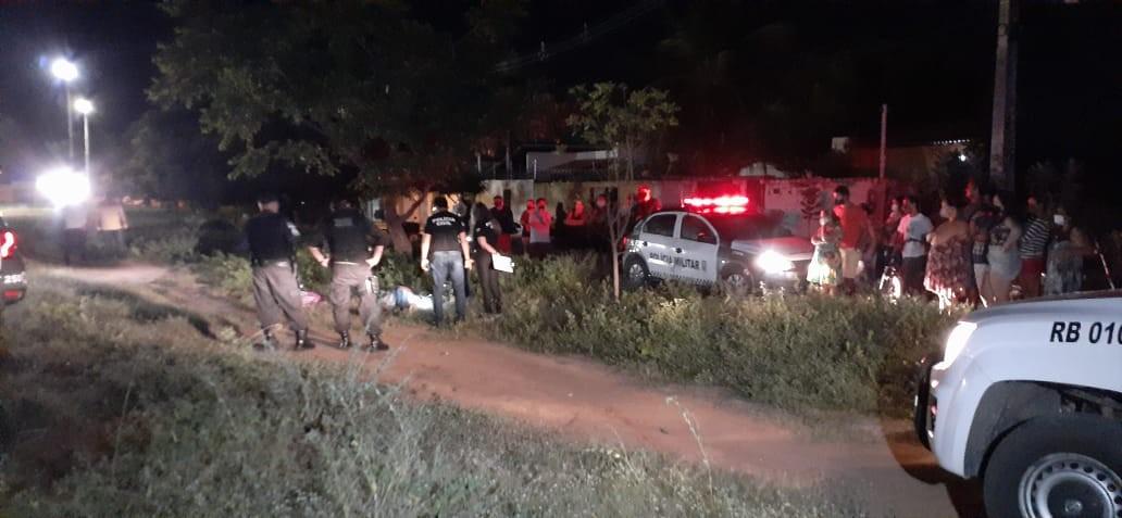 Homem é morto a tiros a poucos metros de casa em Mossoró