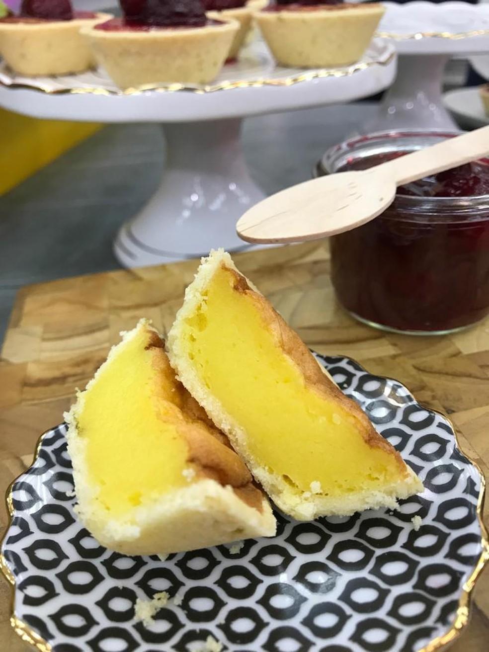 Além de gostosa, a tortinha fica com um lindo visual — Foto: Dani Meira/TV Globo