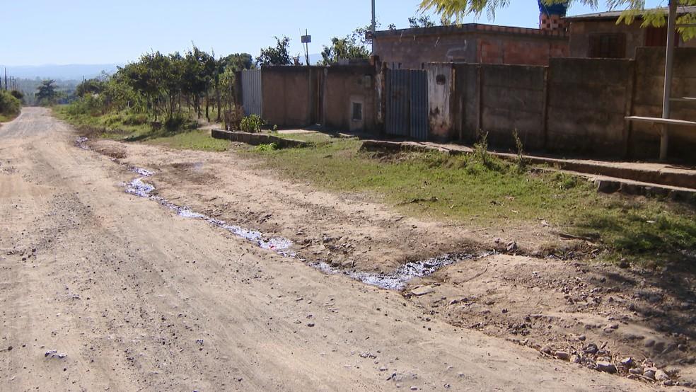 -  Várias ruas em Divinópolis ainda aguardam realização de obras de saneamento  Foto: Reprodução/TV Integração