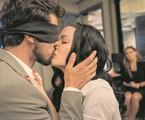 Rafael (Bruno Ferrari) e Kyra (Vitória Strada) em 'Salve-se quem puder' | TV Globo/Camilla Maia