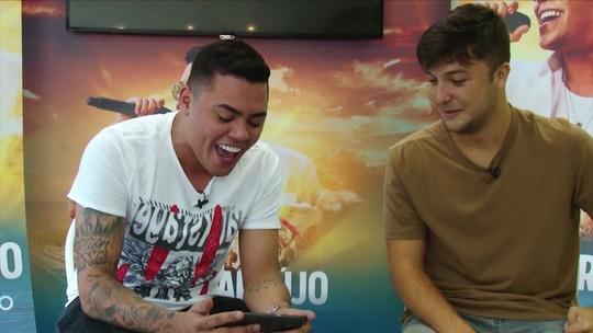 """Quintal da Bola estreia no """"Fala Muito"""" com o cantor Felipe Araújo"""