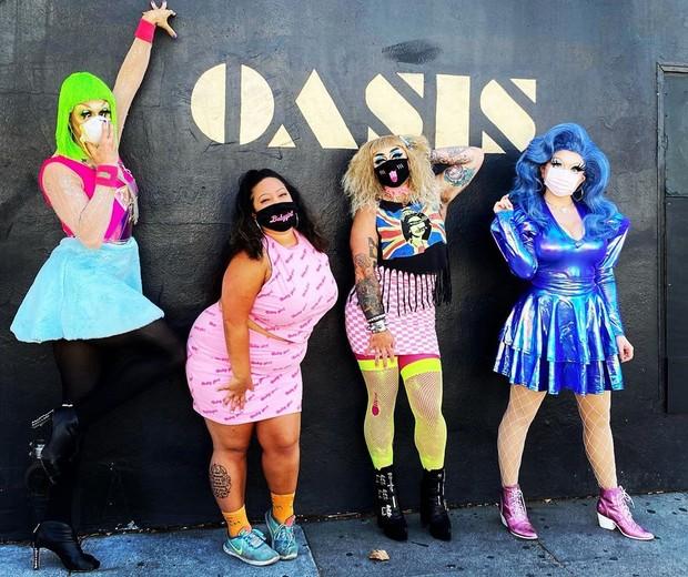 Drag queens entregam refeições e performances com delivery divertido em São Francisco (Foto: Reprodução / Instagram @theoasissf)