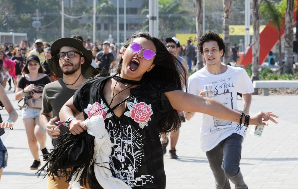 -  Público corre para ficar perto dos palcos no 2º dia de Rock in Rio 2017  Foto: Alexandre Durão/G1