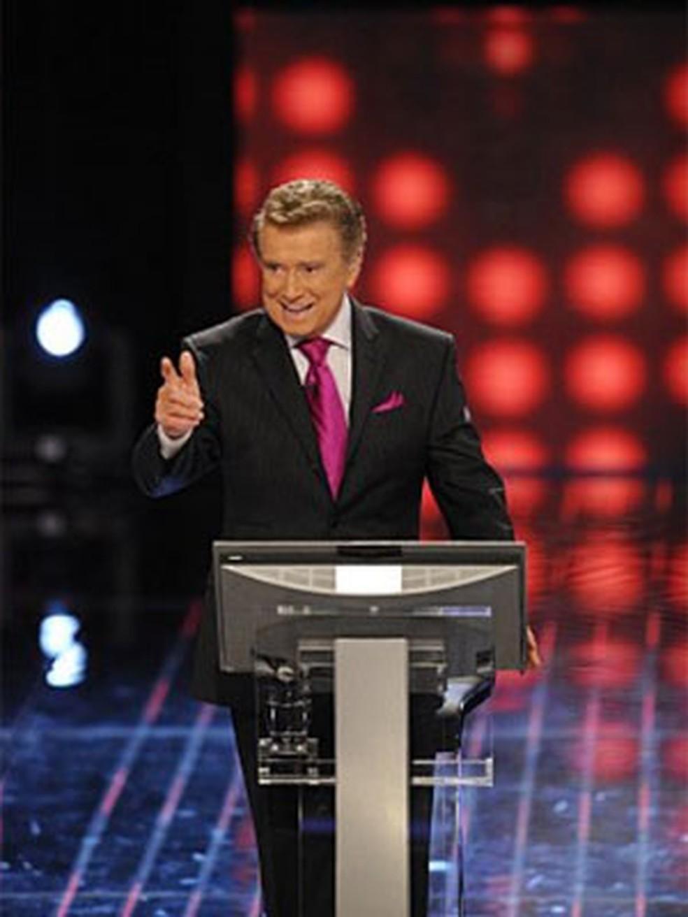 Regis Philbin, o apresentador de 'Quem quer ser um milionário' nos EUA. — Foto: Divulgação