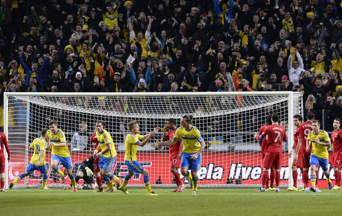 Ibrahimovic comemora, suecia x portugal (Foto: AFP)