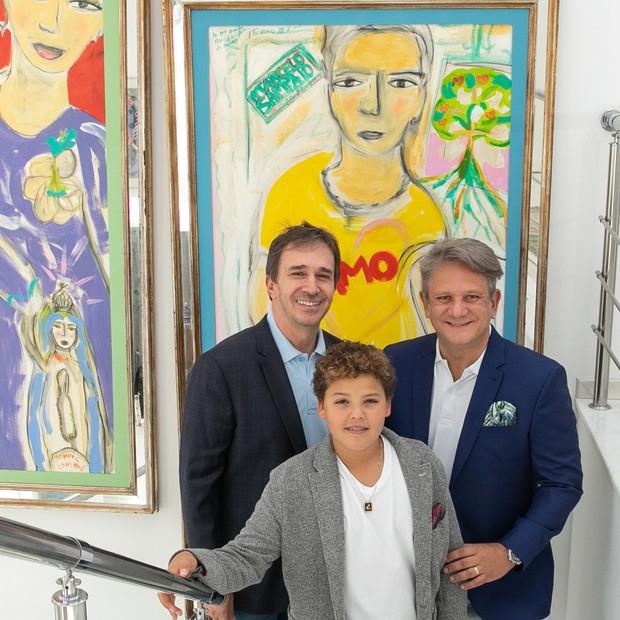 Da esquerda para a direita: Eduardo Indig, o filho Manoel e Marcelo Sampaio  (Foto: Nellie Solitrenick)