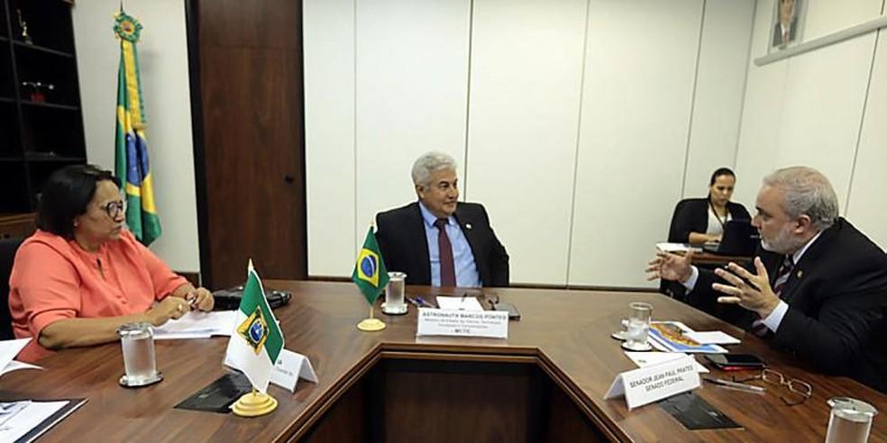 Governadora Fátima Bezerra e senador Jean Paul se reuniram com o ministro da Ciência e Tecnologia (MCTIC), Marcos Pontes — Foto: Vinicius Borba