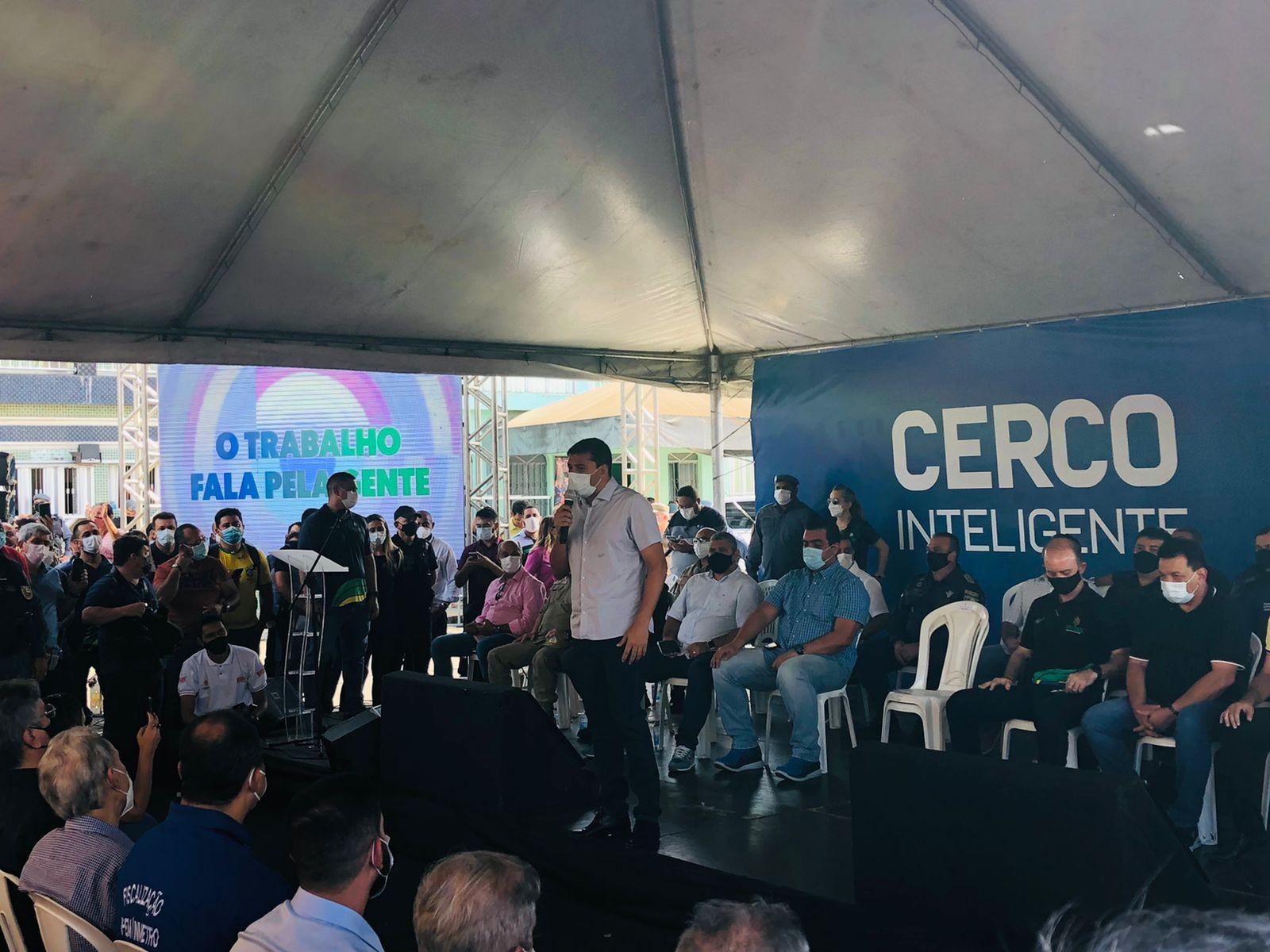 Números baixos da Covid-19 permitem realizar eventos de réveillon e Carnaval 2022, diz governador do AM