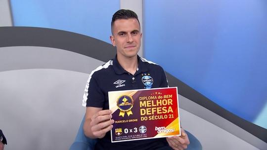 """Marcelo Grohe recebe diploma por """"melhor defesa do século 21"""""""
