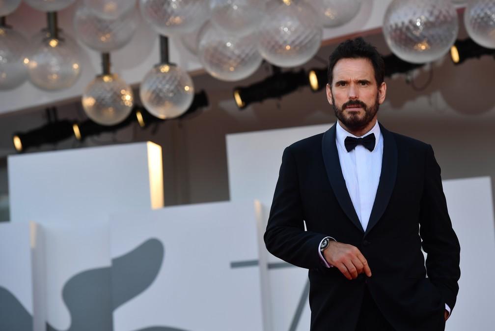 Membro do júri do 77º Festival de Cinema de Veneza, o ator norte-americano Matt Dillon chega para a cerimônia de abertura do evento — Foto: TIZIANA FABI / AFP
