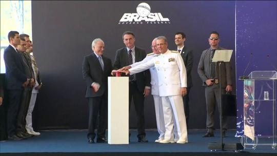 Temer e Bolsonaro participam de lançamento de submarino em Itaguaí (RJ)