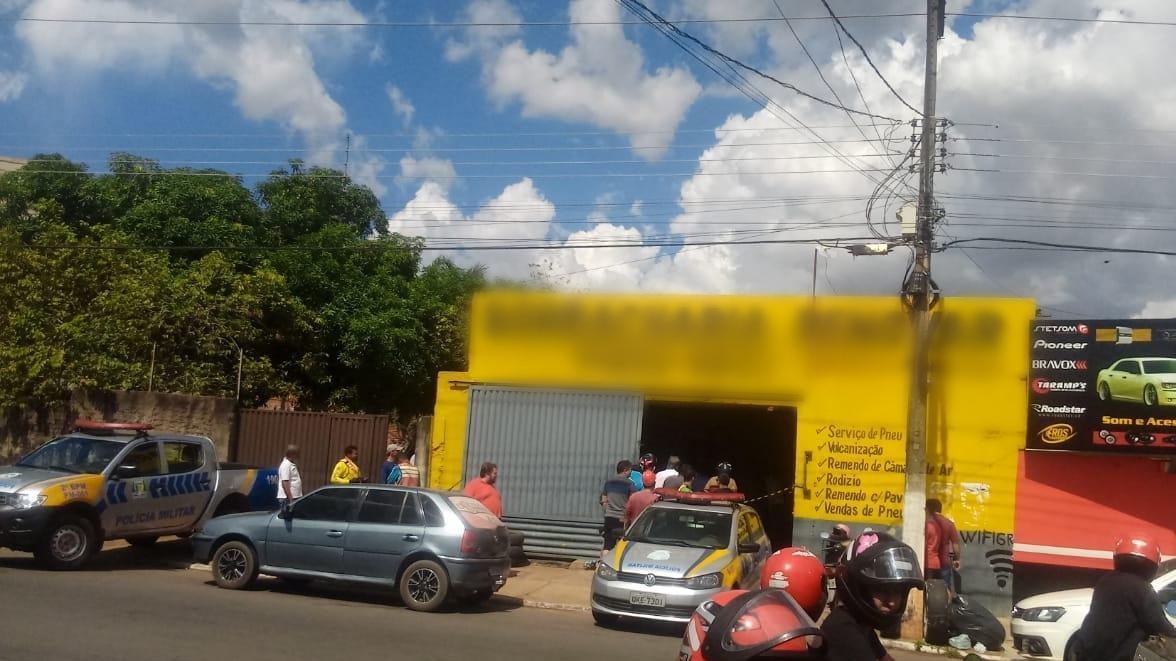 Borracheiro é assassinado a tiros no local de trabalho em Araguaína - Notícias - Plantão Diário