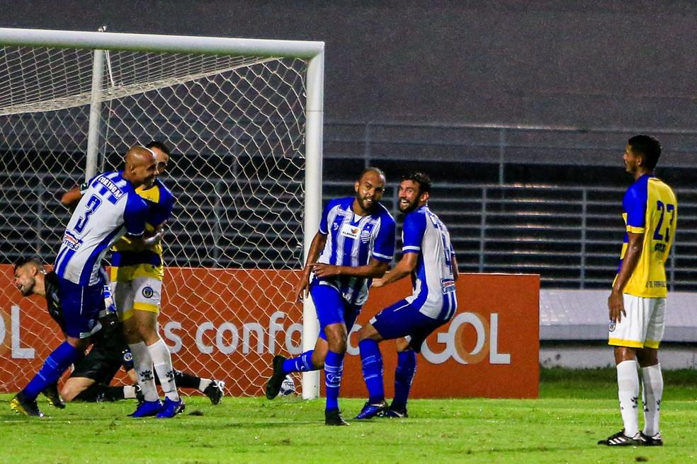 Alecsandro marcou no jogo contra o Freipaulistano, pelo Nordestão — Foto: Ailton Cruz/Gazeta de Alagoas