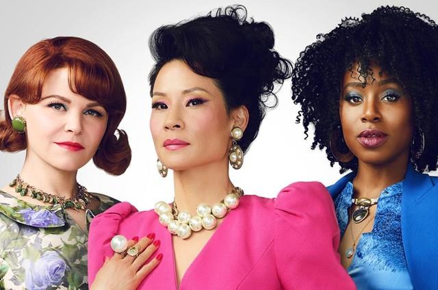 Ginnifer Goodwin, Lucy Liu, e Kirby Howell-Baptiste em 'Por que as mulheres matam?' (Foto: CBS)