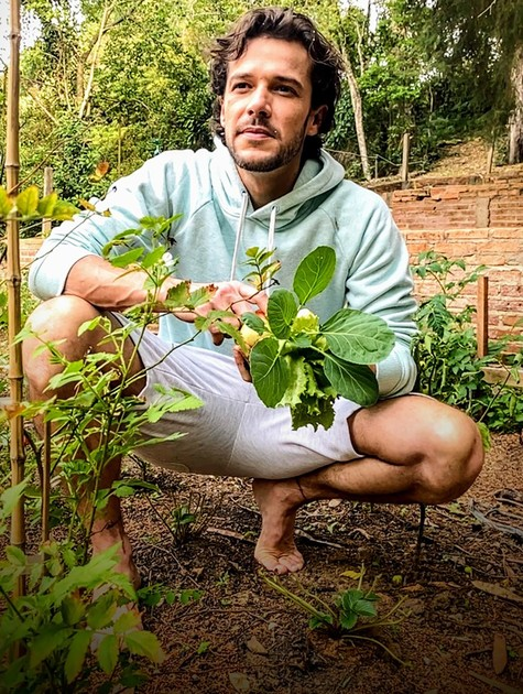Jayme Matarazzo no seu sítio na Serra da Cantareira, em São Paulo (Foto: João Miguel Júnior )
