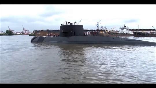 'Tenho vontade de morrer', diz pai de tenente de submarino desaparecido