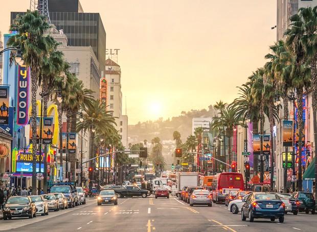 A casa fica localizada acima do Sunset Boulevard  (Foto: LA Creative/ Reprodução)