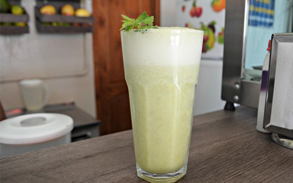 Hortelã e abacaxi têm propriedades diuréticas e antioxidantes (Foto: Quésia Melo/G1)