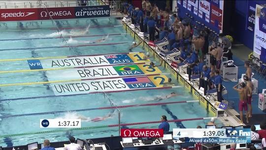 Brasileiros conquistam a medalha de bronze no 4x50m medley na Copa do Mundo de Natação