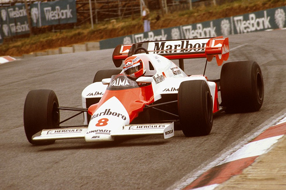 Lauda rumo à vitória na África do Sul, em 1984 — Foto: Reprodução